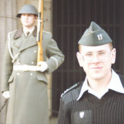 CPT_Born_at_the_Neue_Wache_Berlin_w_East_German_Guard